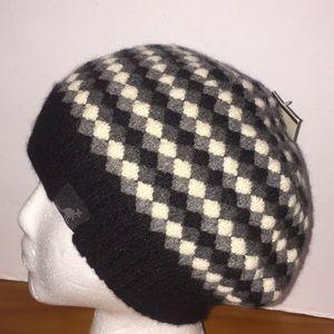 NWT Kangol Pebbled Knit Beret